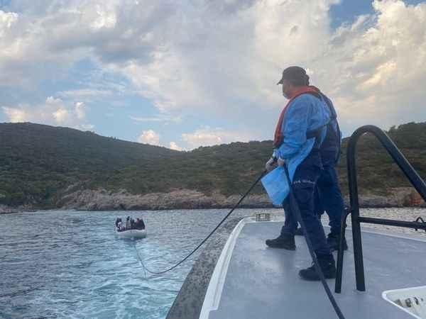 Aydın'da Türk kara sularına geri itilen 19 düzensiz göçmen kurtarıldı