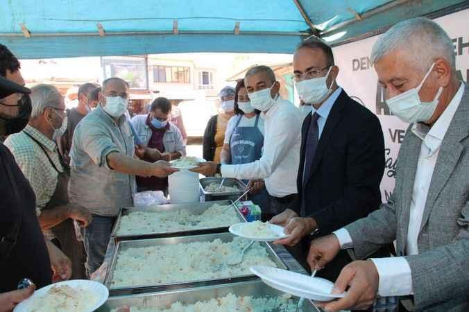 Koçarlı Belediyesi, merhum Menderes için hayır yaptı