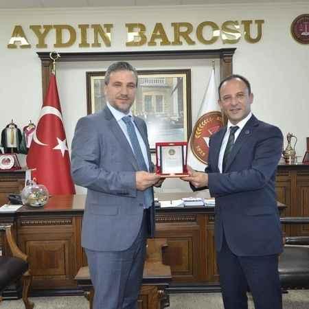 Avukat Özcan, Baro yönetimine aday
