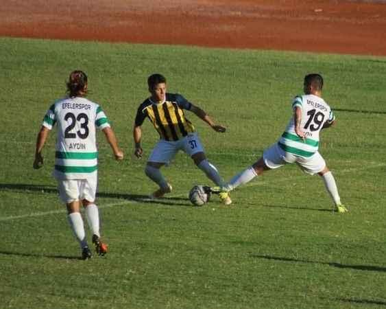 Efeler 09 SFK, Alaçatı'yı 3-2 mağlup etti