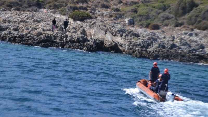 Aydın'da Türk kara sularına itilen 2 düzensiz göçmen kurtarıldı