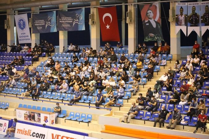 Aydın'ın Sultanları, Galatasaray'a mağlup oldu