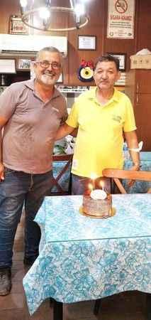 Balat, esnafın doğum günü mutluluğuna ortak oluyor