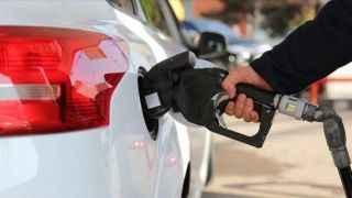 Benzin ve motorine ikinci zam