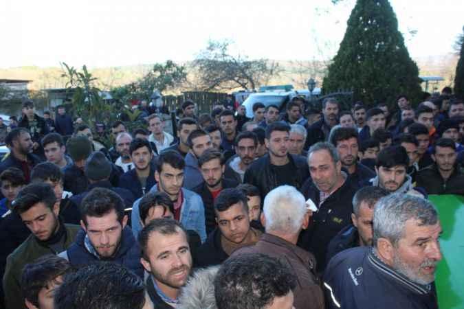 Sakarya'da gölde boğulan gencin cenazesi defnedildi