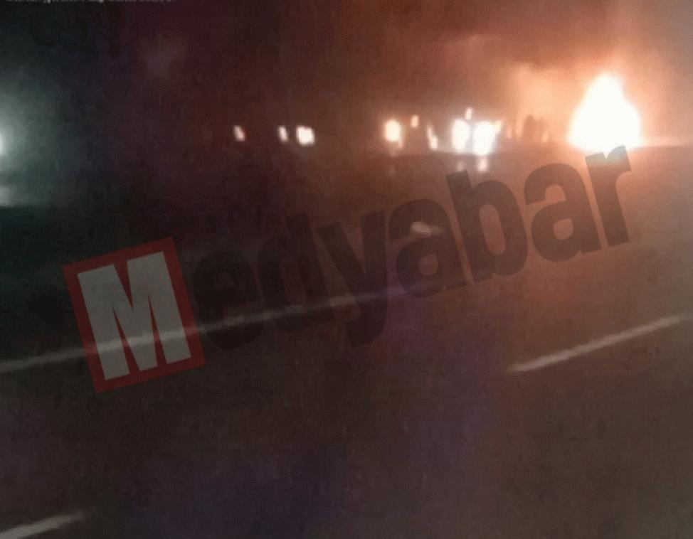 TEM'de alevli gece! Otomobil cayır cayır yandı!