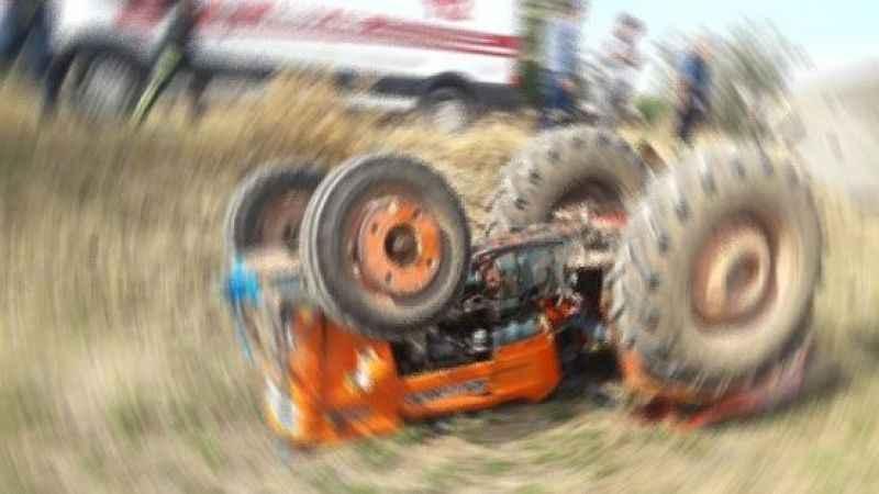 Traktörün altında kaldı