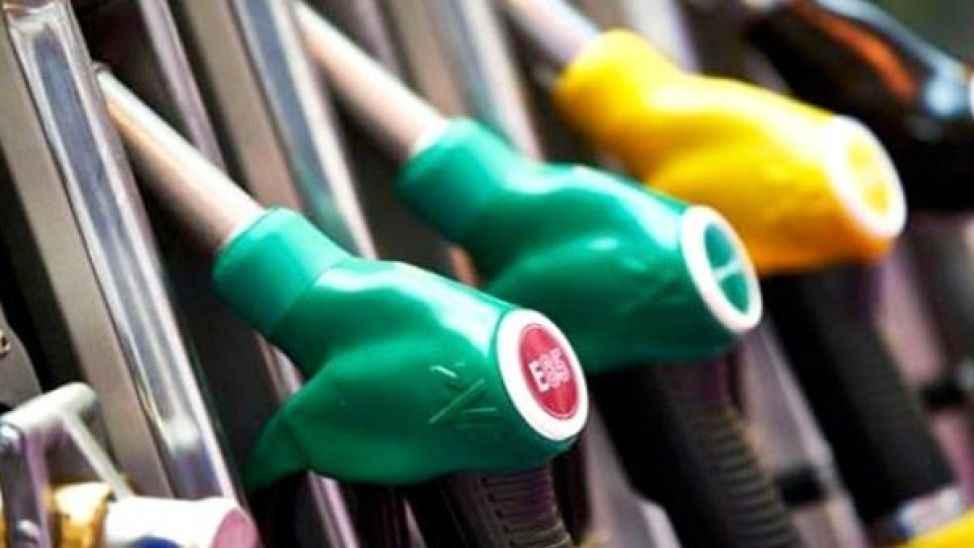 Benzin fiyatına gelen zam iptal edildi