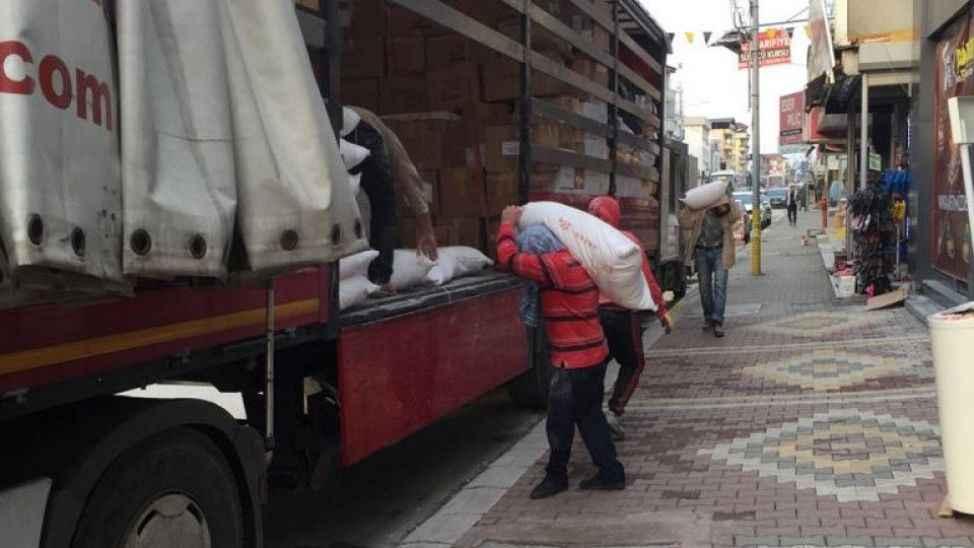 Sakarya'dan deprem bölgesine yardım