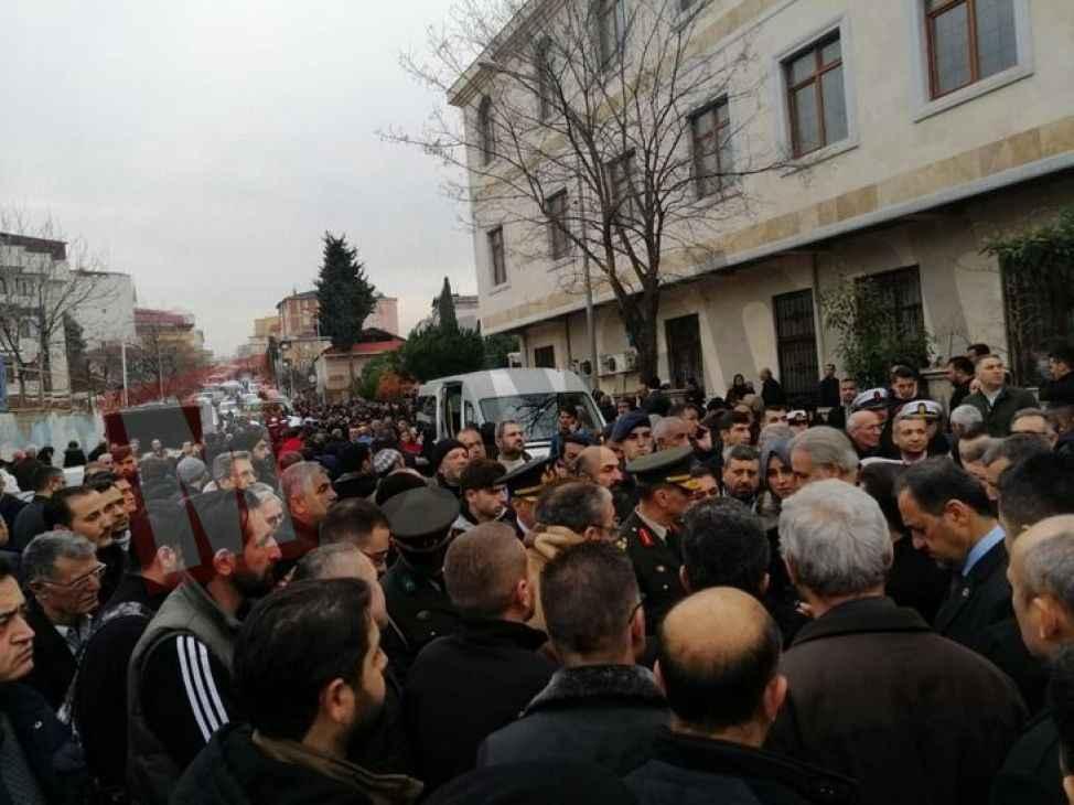 ŞEHİDİMİZ VAR.(8) Şehidin naaşı Tuzla'dan Pamukova'ya getiriliyor