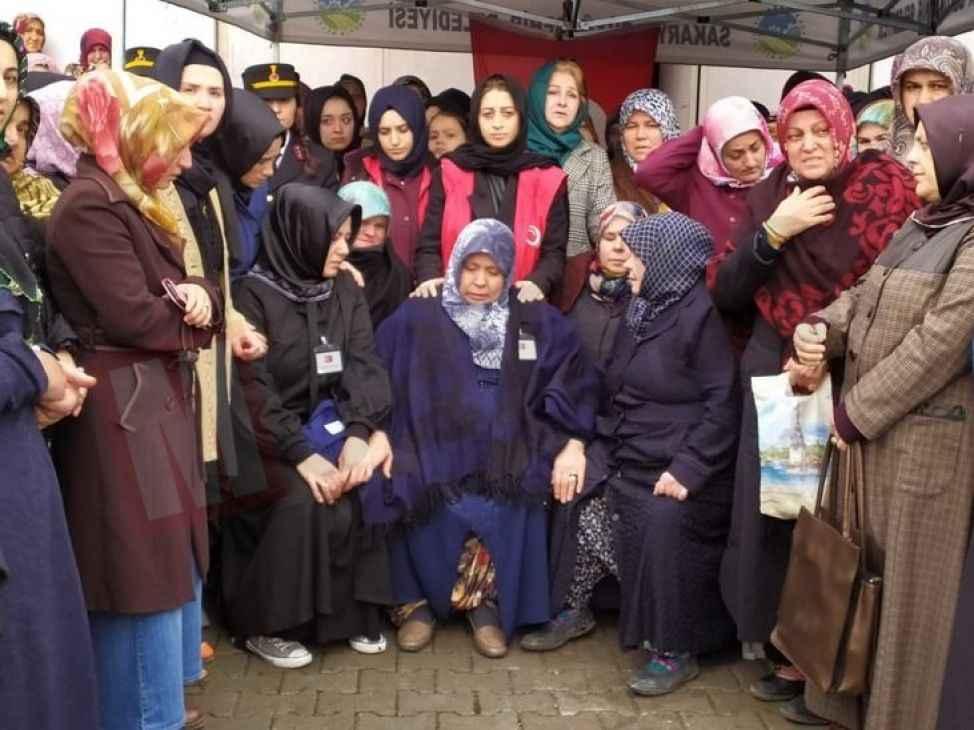ŞEHİDİMİZ VAR (10) Sakarya'da binler şehidini uğurladı...