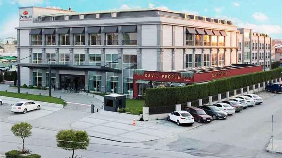 Sakallıoğlu ailesiyle özleşen o otel yine isim değiştirdi