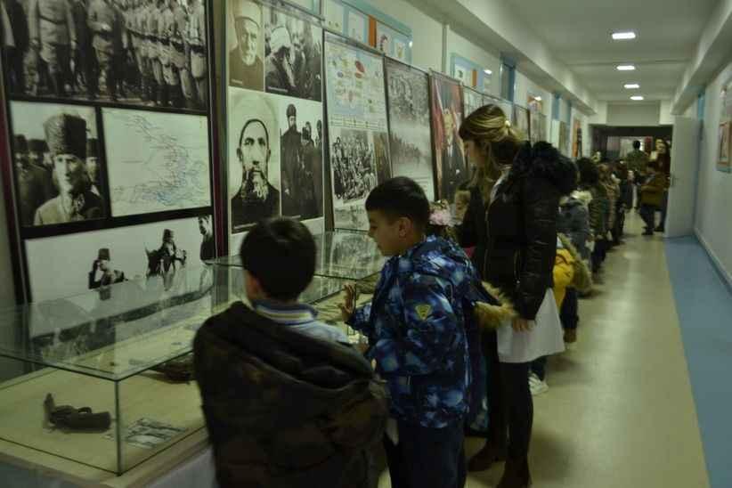 SAÜ Vakfı Okullarında Çanakkale sergisi