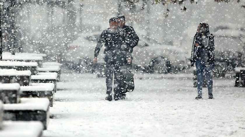 Kar yağışı rötara uğradı! Meteoroloji yarın için saat verdi