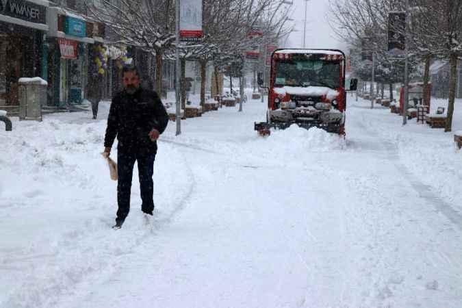 Bolu'da okullara 1 günlük kar tatili