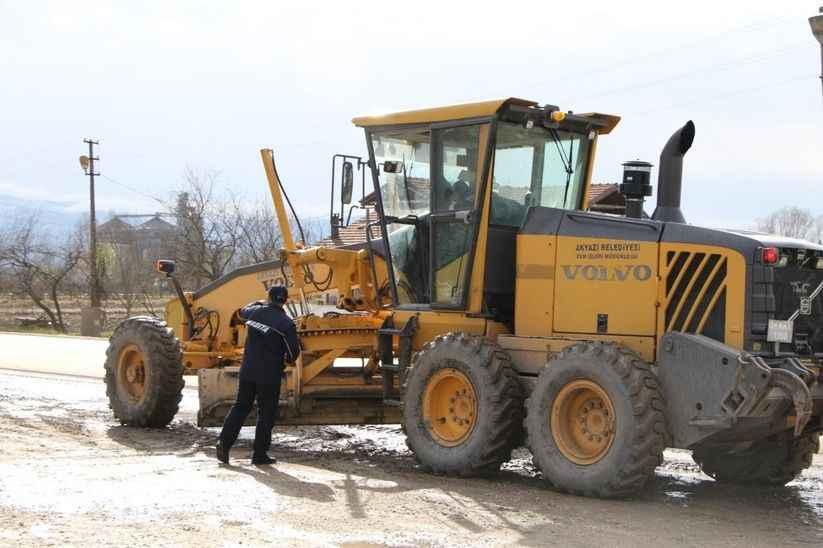 Akyazı-Ormanköy yolunda çamura dikkat!