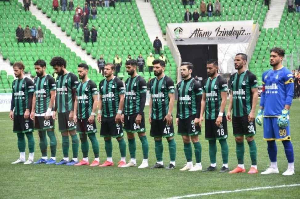 Sakaryaspor 3 puanı 3 golle aldı