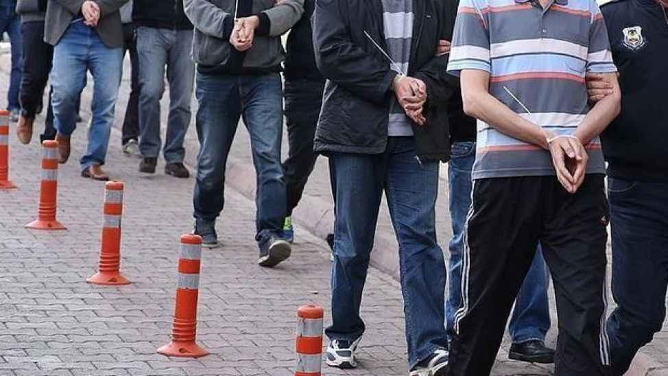 FETÖ şüphelisi 2 eski asker gözaltına alındı