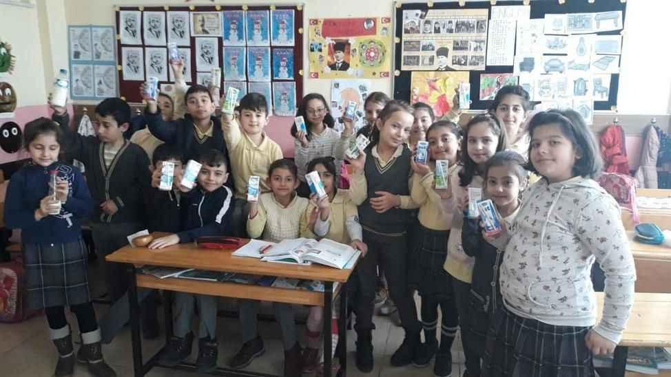 Öğrencilere sütün faydası öğretildi