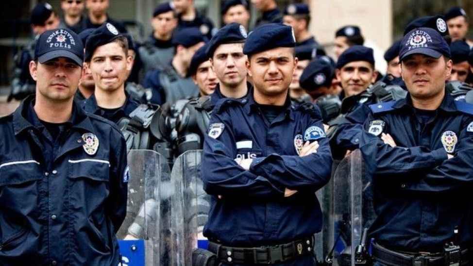 Polisler için önemli gelişme! Yeni haklar verildi