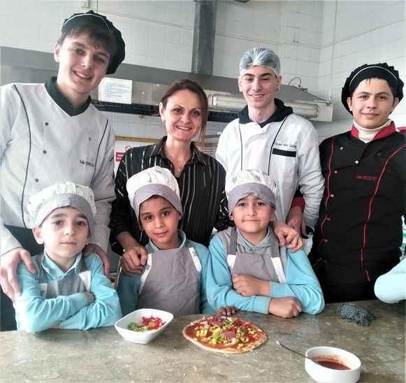 Öğrencilerin pizza günü