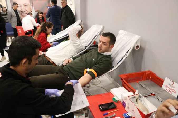 AK Parti'li Yavuz'dan kan bağışı çağrısı