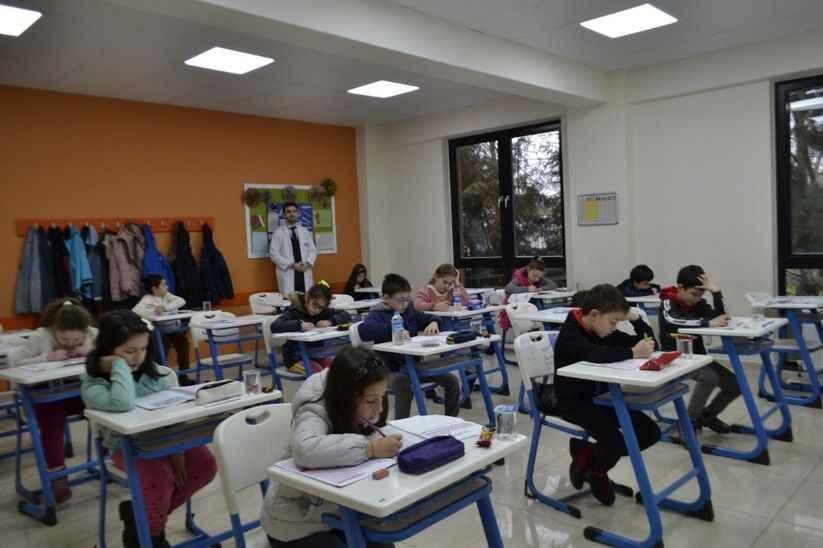 SAÜ Vakfı Özel Okullarında bursluluk sınavı heyecanı