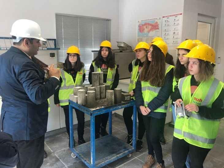 Uğur Okulları Nuh Çimento Ar-Ge merkezine davet edildi