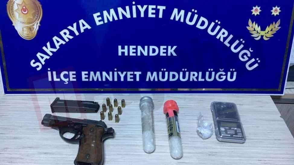 Uyuşturucu kuryelerine baskın! 2 tutuklama