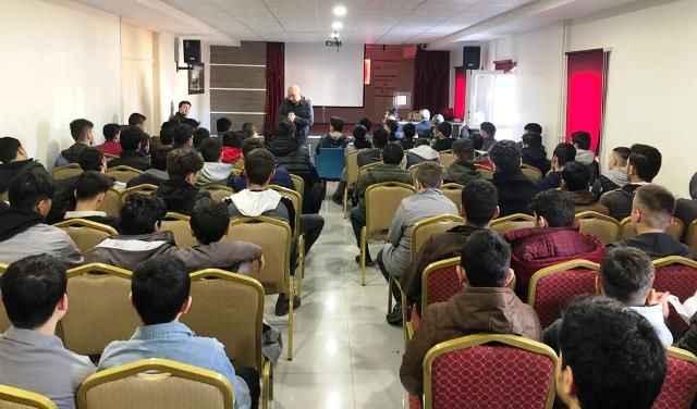 Ensar Vakfı'nda dijital haçlı seferleri semineri