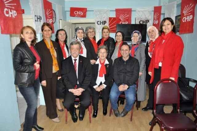 CHP'li Keleş'ten Akyazı Kadın Kollarına destek