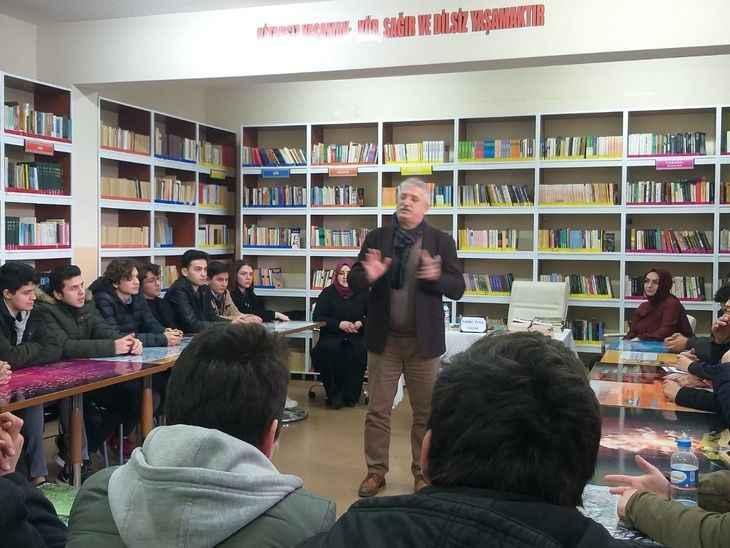 Fahri Tuna öğrencilerle buluştu