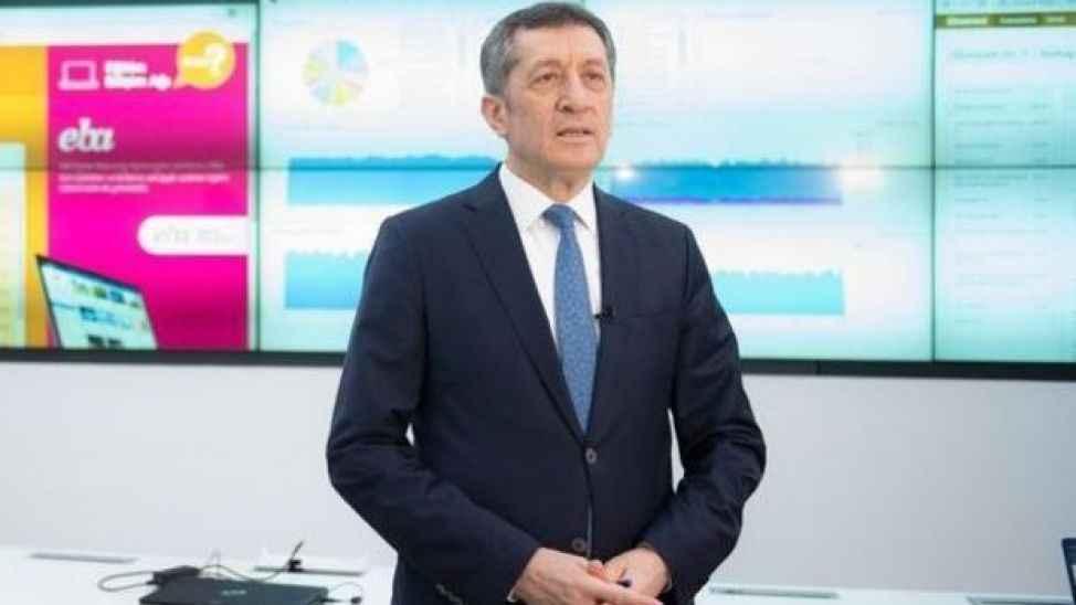 Milli Eğitim Bakanı Selçuk velilere videolu mesaj