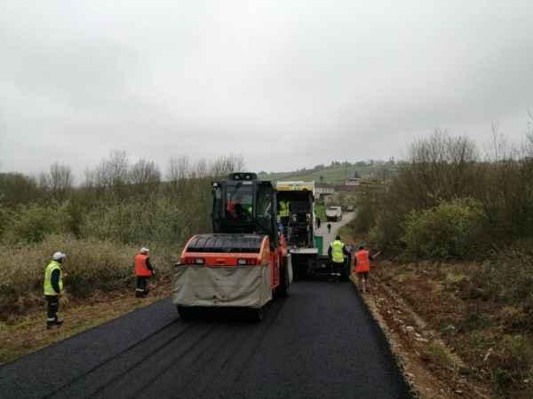 Söğütlü'de asfalt çalışmaları