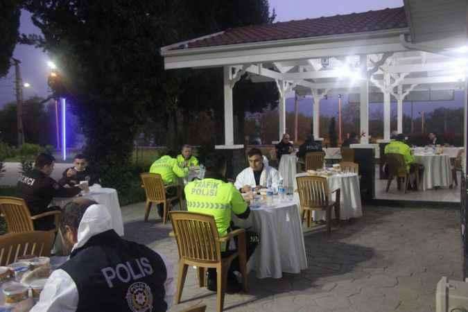 İl Emniyet Müdürü Kaya, polislerle iftar yaptı