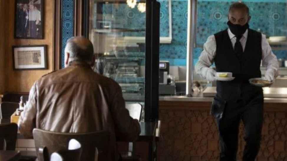 Restoranlarda yeni dönem; Aynı aileden gelen gruba sosyal mesafe yok