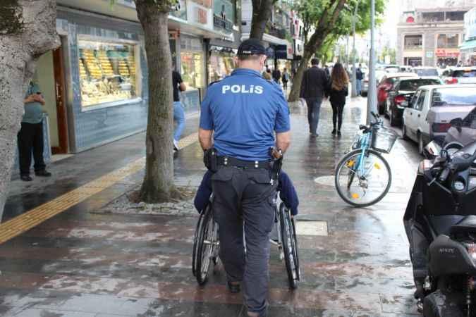 Sakarya'da polisten engelli kadına yardım eli