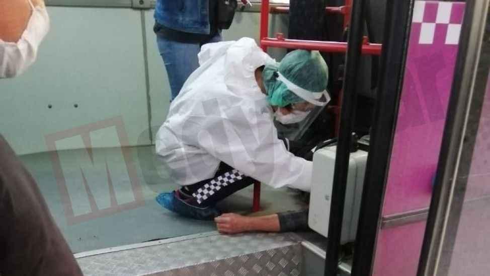 Halk otobüsünde korku dolu anlar! Bir anda yere yığıldı…