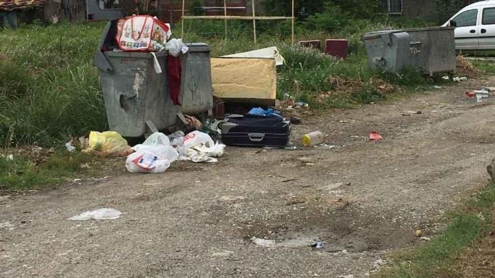 Çöpleri toplanmayan vatandaşların tepkisi!