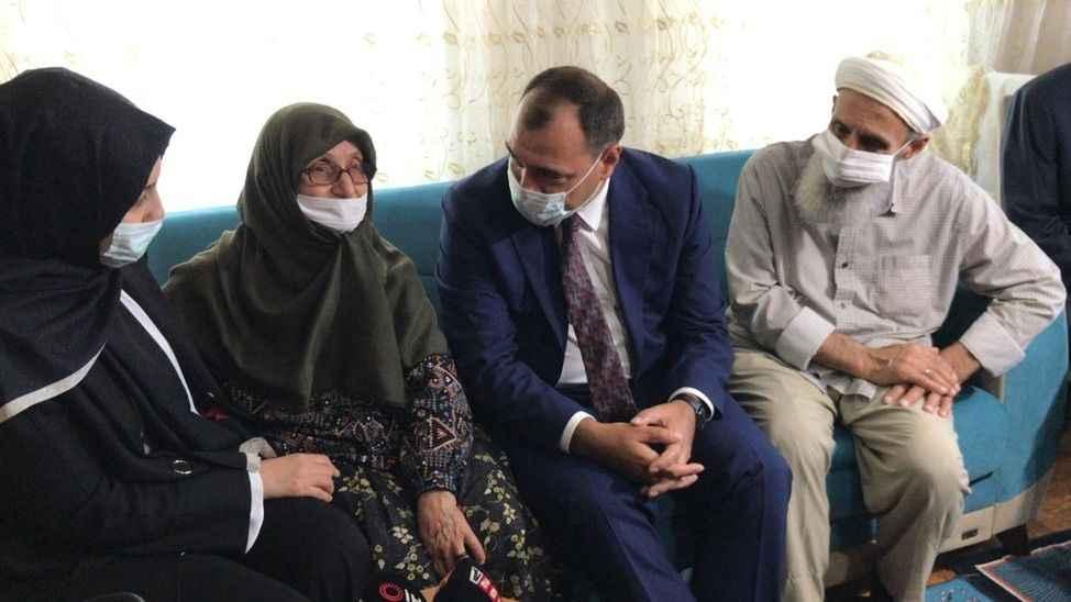 Vali Kaldırım'dan ilk ziyaret Safitürk'ün baba ocağı oldu