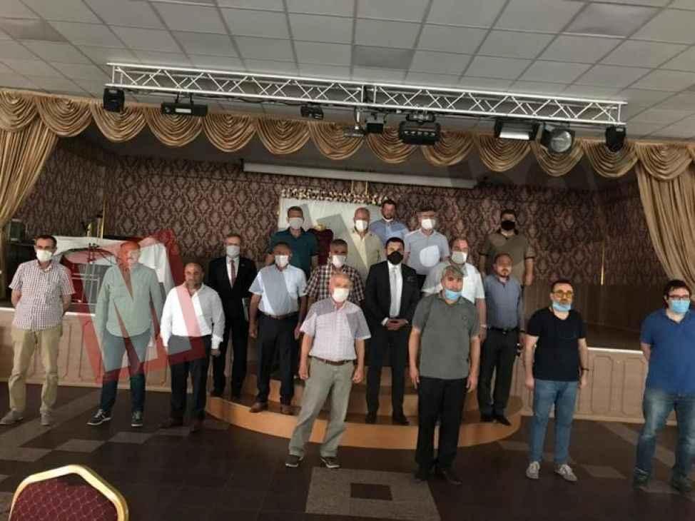 Pamukova Belediye Meclisinde  gergin toplantı!