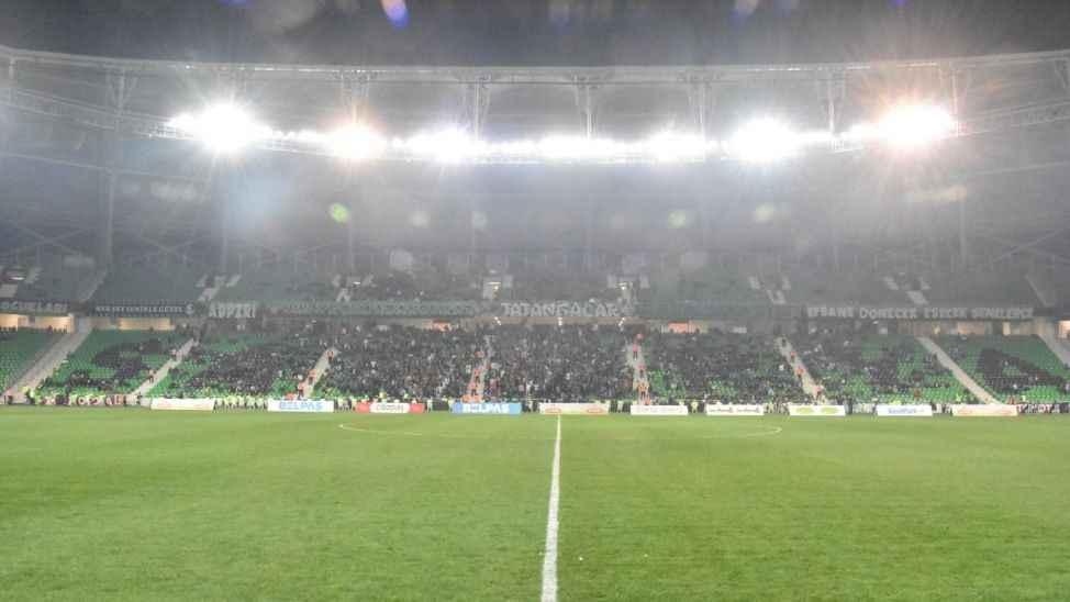 TFF lig maçlarının seyircisiz oynanmasına karar verdi!
