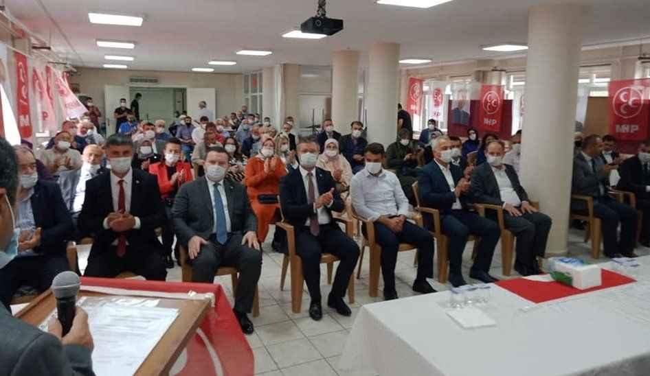 Pamukova MHP 'de Arif Çakıl yeniden Başkan