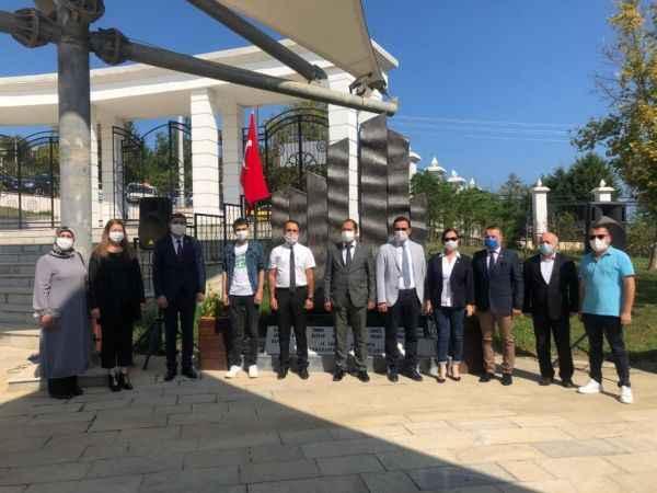 Akçakoca'da sel felaketinde hayatını kaybedenler için anıt
