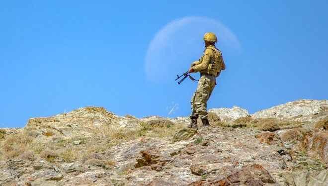 Van'daki operasyonda 3 asker şehit