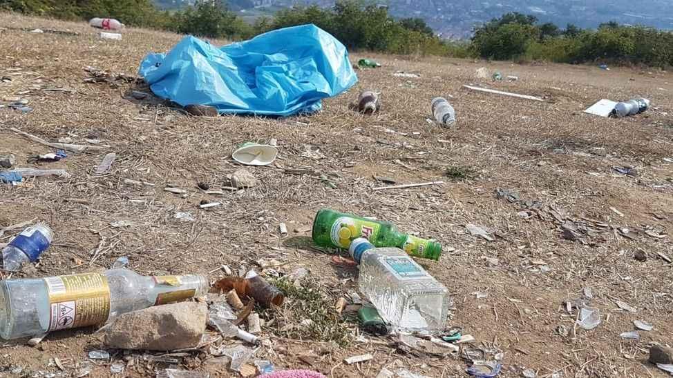 CHP'li kadınlar çöp topladı!