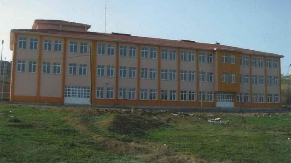 O okulda öğretmen korona çıktı 2 hafta kapatıldı