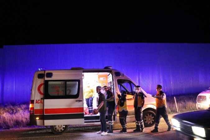 Bolu'da, traktörün römorkuna çarpan otomobil takla attı: 3 yaralı
