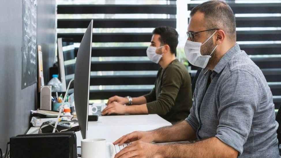 Çalışanlar dikkat! Maske takmamak tazminatsız kovulma sebebi sayıldı