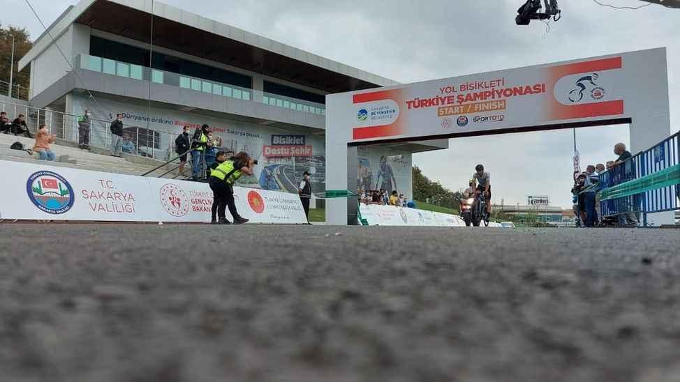 Şampiyonada kürsü Büyükşehir Bisiklet takımının